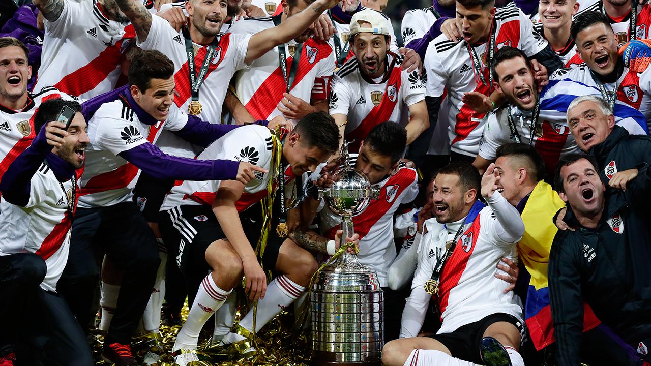 the best attitude 4aae5 d6157 River Plate defeats Boca Juniors to win 2018 Copa ...