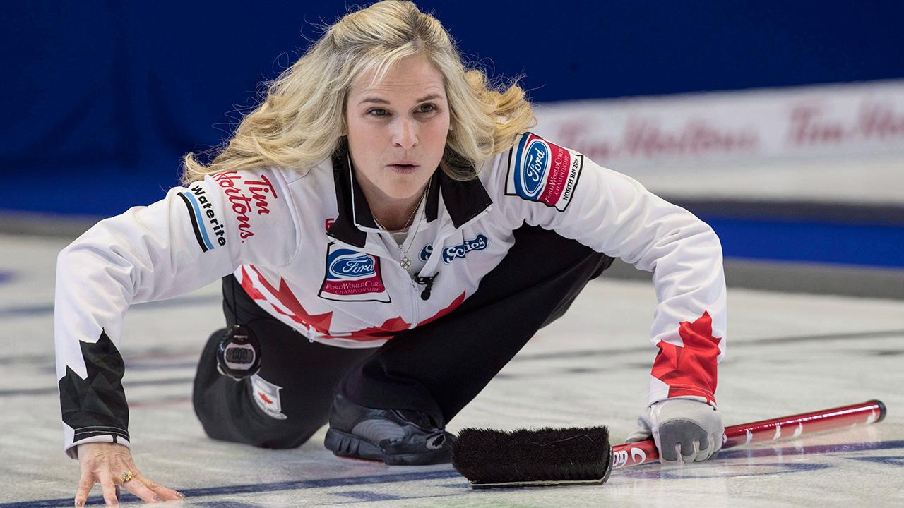 Curling-Jennifer-Jones-watches-shot
