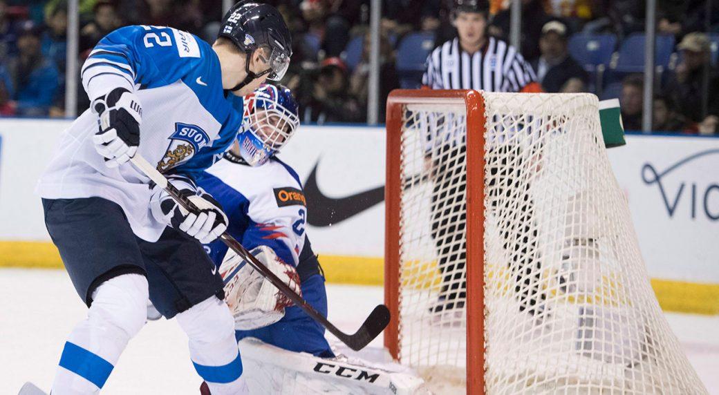 Hockey-Finland-scores-against-Slovakia-at-World-Junior-tournament