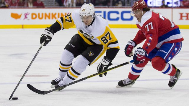NHL-Penguins-Crosby-skates-against-Capitals