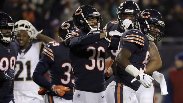Chicago-Bears-inside-linebacker-Roquan-Smith,-right,-celebrates-with-teammates-after-intercepting-a-pass