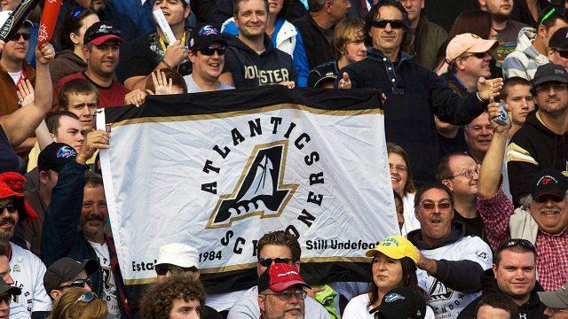 fans-hold-an-atlantic-schooners-banner