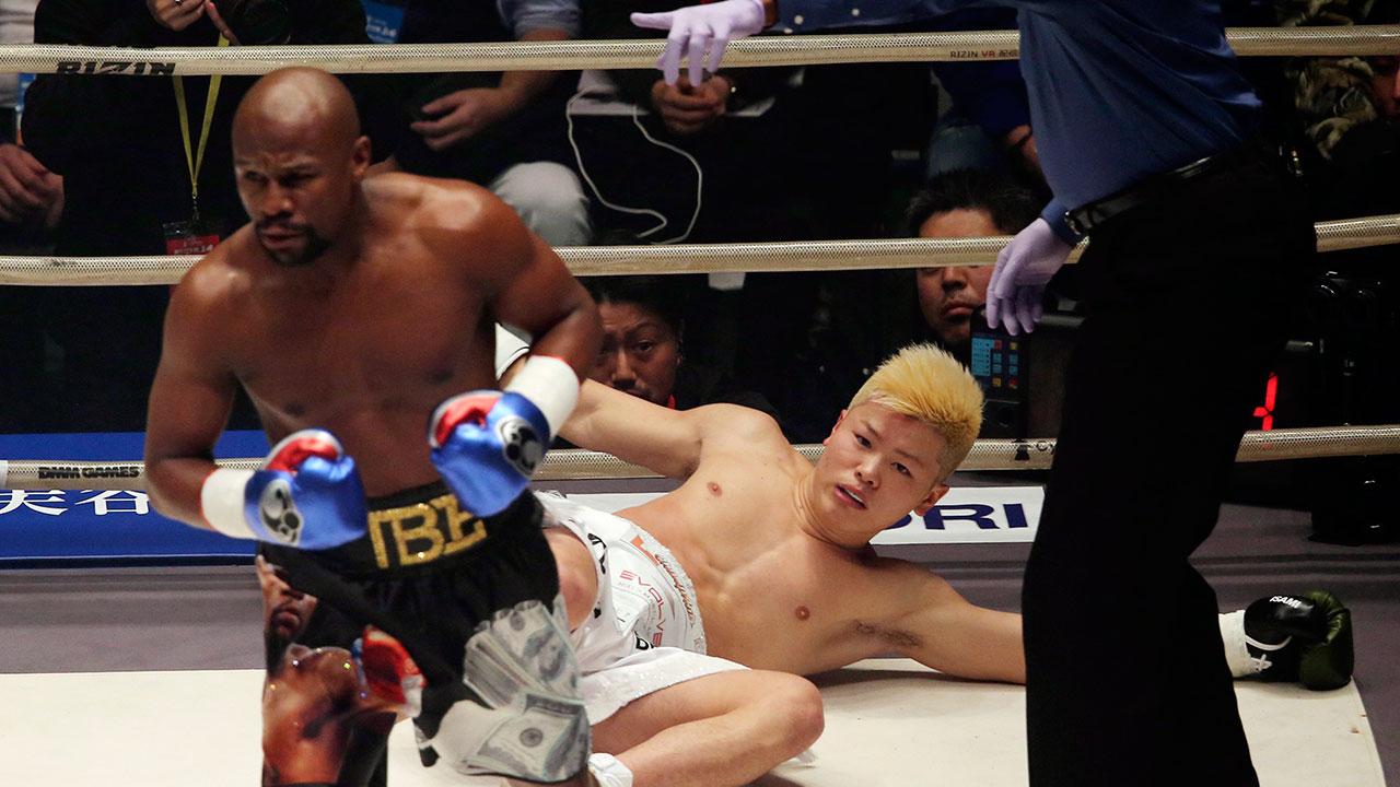 floyd-mayweather-knocks-down-tenshin-nasukawa