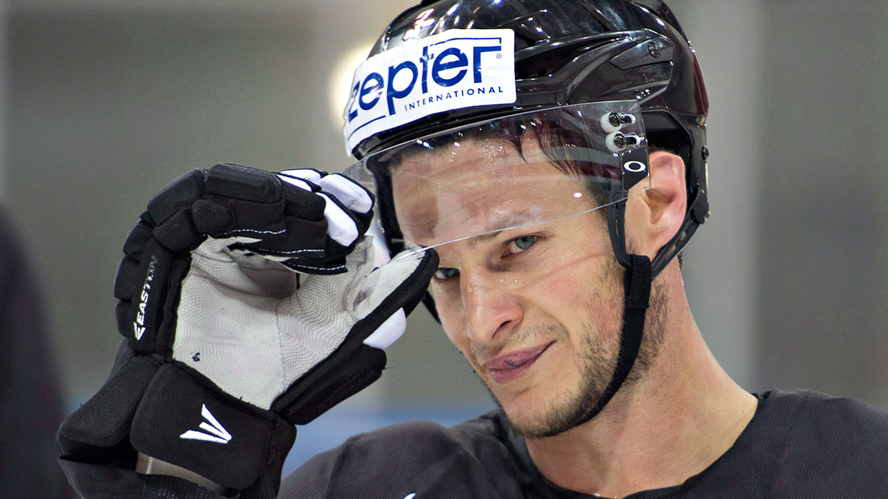 Kevin Bieksa On Trading In His Skates For A Microphone Sportsnet Ca