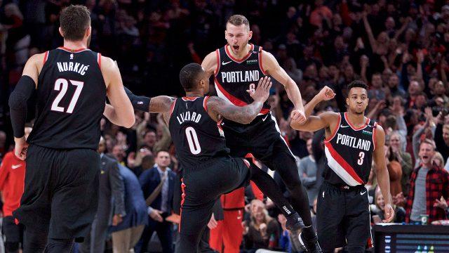 nik-stauskas-celebrates-a-basket