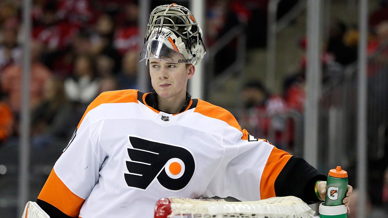 Philadelphia-Flyers-goaltender-Carter-Hart