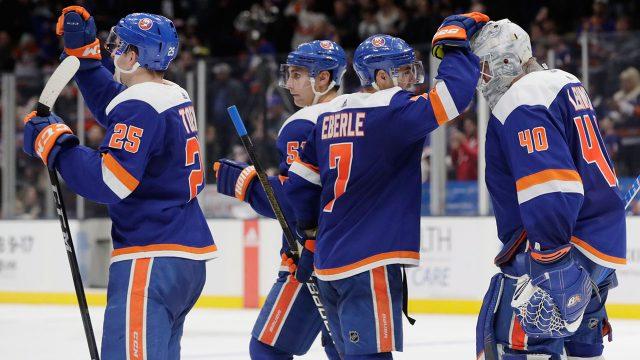 Islanders_Eberle_Celebrates_With_Lehner_After_Shutout
