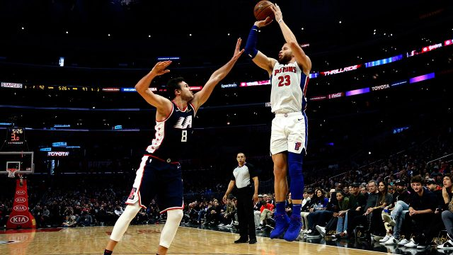 NBA-Pistons-Griffin-shoots-against-Clippers