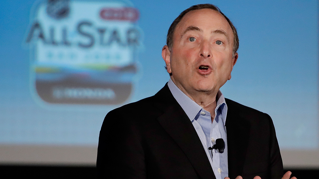 NHL-Gary-Bettman-speaks-at-all-star-weekend