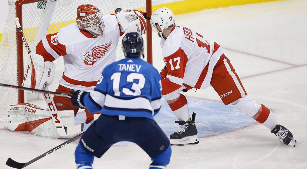 NHL-Jets-Tanev-scores-against-Red-Wings