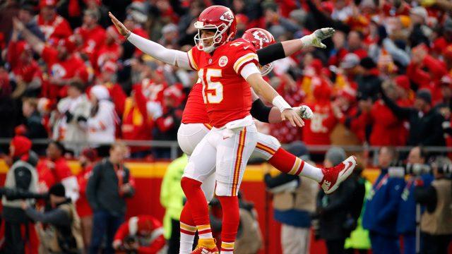 chiefs-patrick-mahomes-celebrates-touchdown-pass