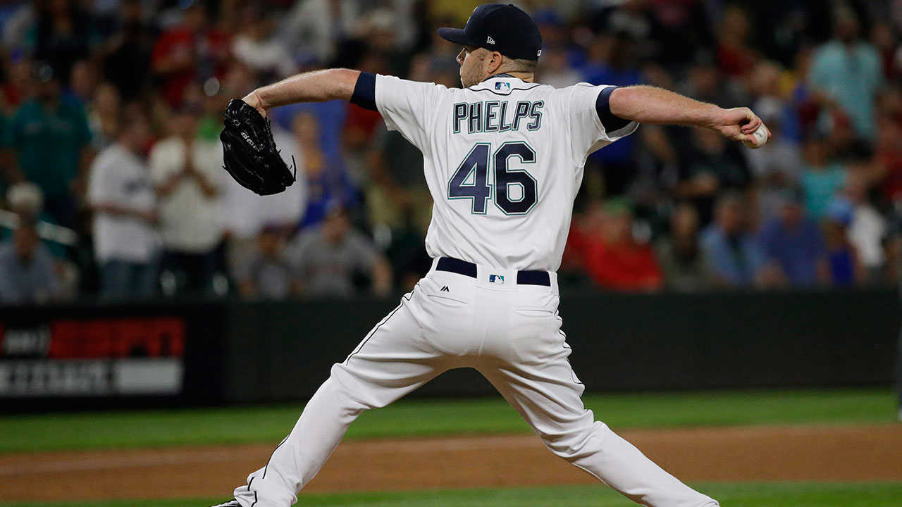 david-phelps-throws-with-seattle-mariners