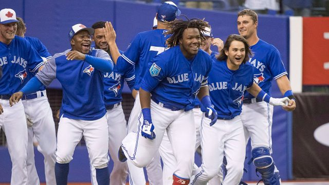 vladimir-guerrero-jr-and-teammates-celebrate