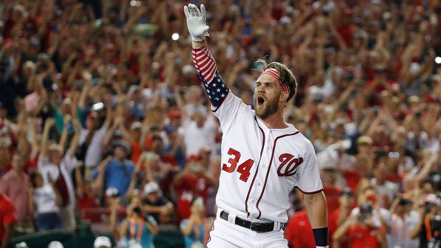 MLB-Nationals-Harper-celebrates-home-run