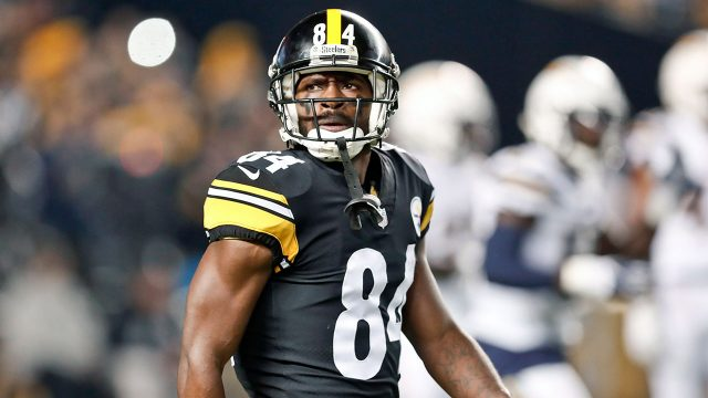 NFL-Steelers-Antonio-Brown-during-game-against-Chargers