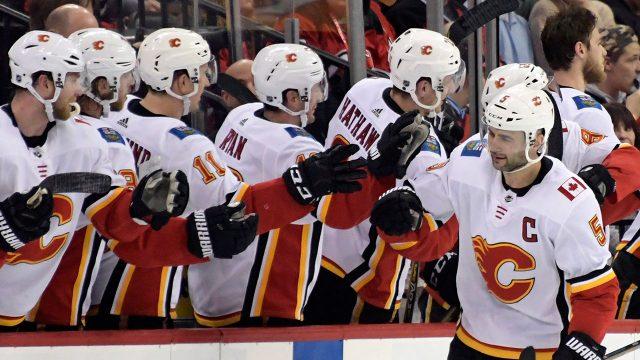 NHL-Flames-Giordano-celebrates-goal-against-Devils