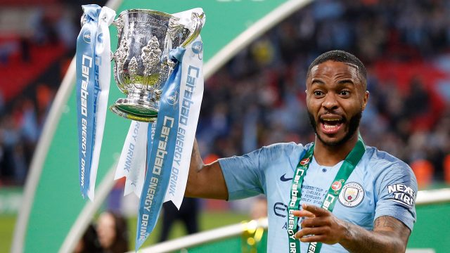 raheem-sterling-celebrates-with-the-carabao-cup