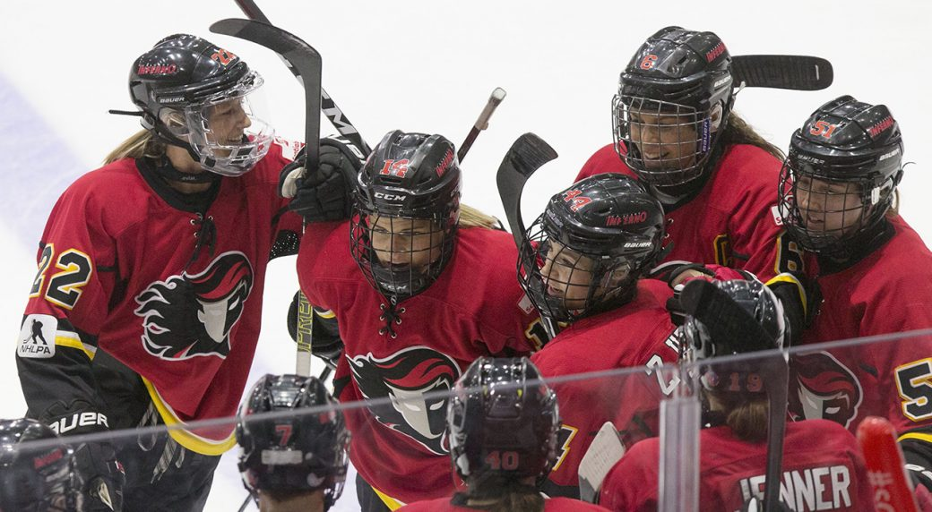Calgary Inferno Top Canadiennes De Montreal To Win 2019 Clarkson Cup