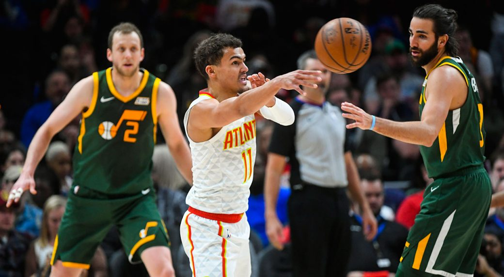 NBA-Hawks-Young-passes-against-Jazz