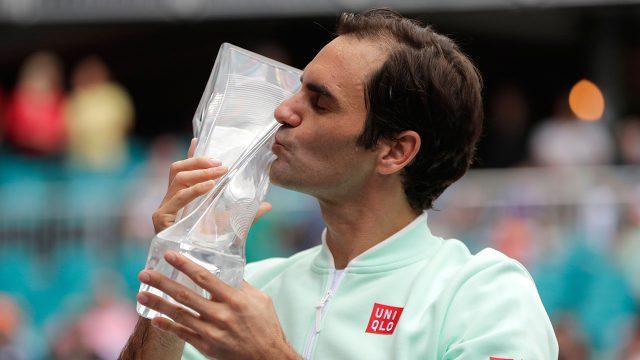 Tennis-ATP-Federer-celebrates-Miami-Open-win