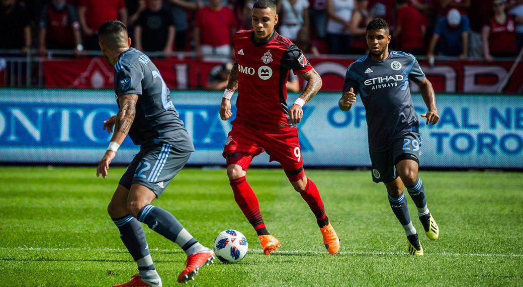 Toronto Fc Defender Gregory Van Der Wiel Officially Split