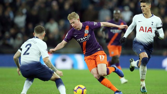 manchester-citys-kevin-de-bruyne-runs-with-ball-against-tottenham