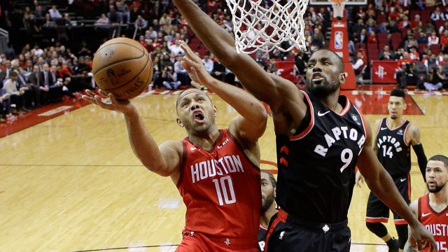 serge-ibaka-tries-to-block-eric-gordon