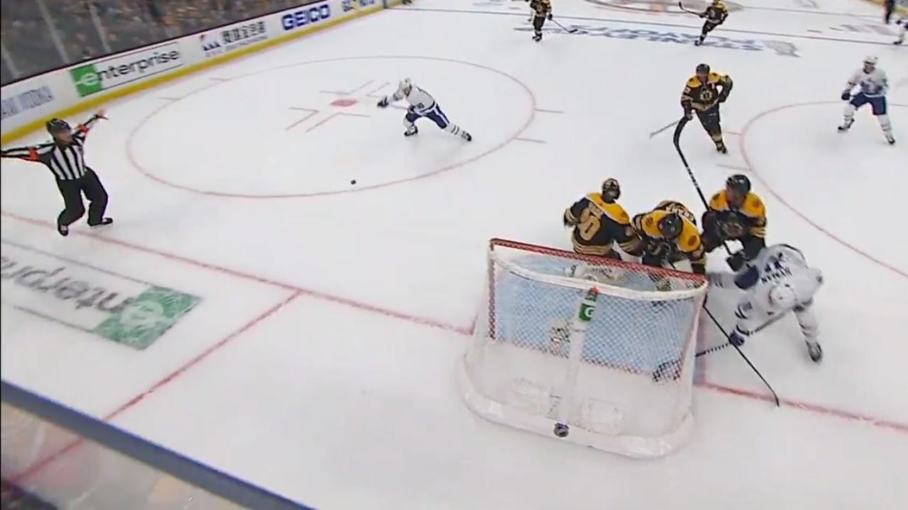 Mitch Marner pounces on loose puck to tie game for Maple