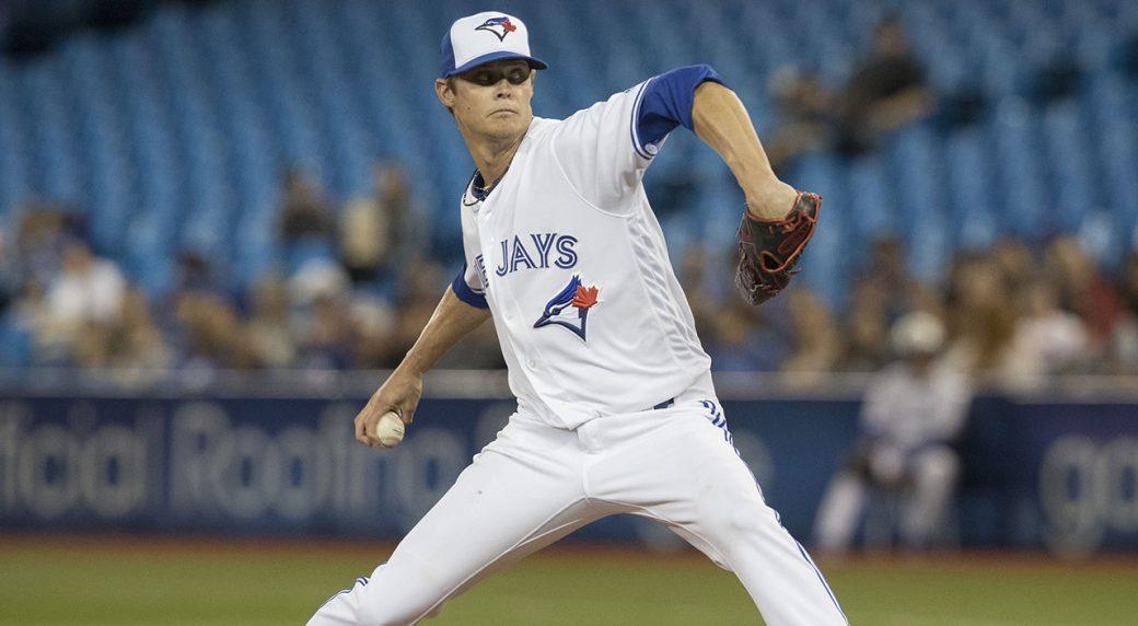 MLB-Blue-Jays-Buchholz-throws-against-Rays