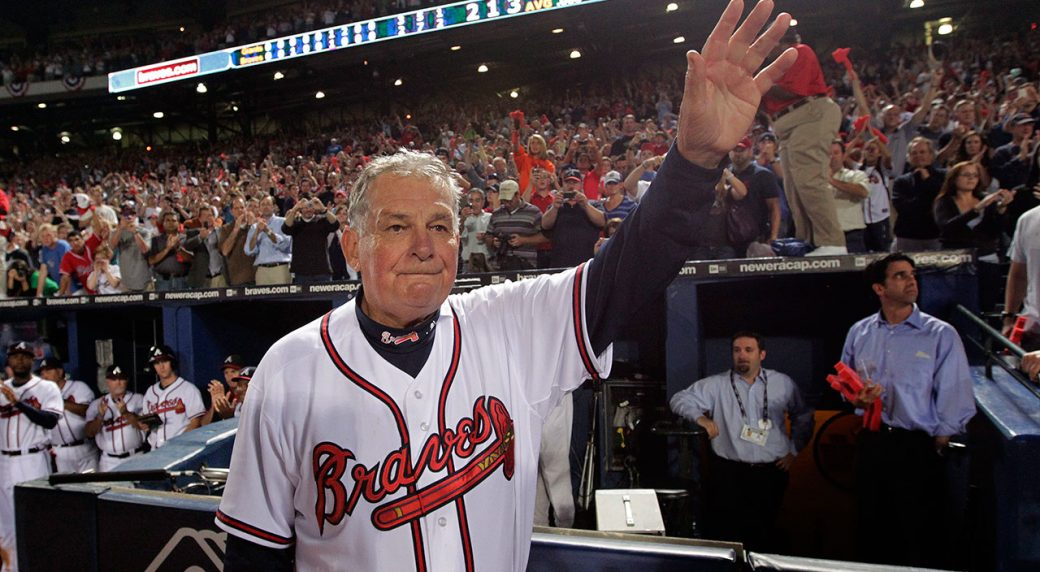 MLB-Braves-manager-Bobby-Cox-waves-to-audience