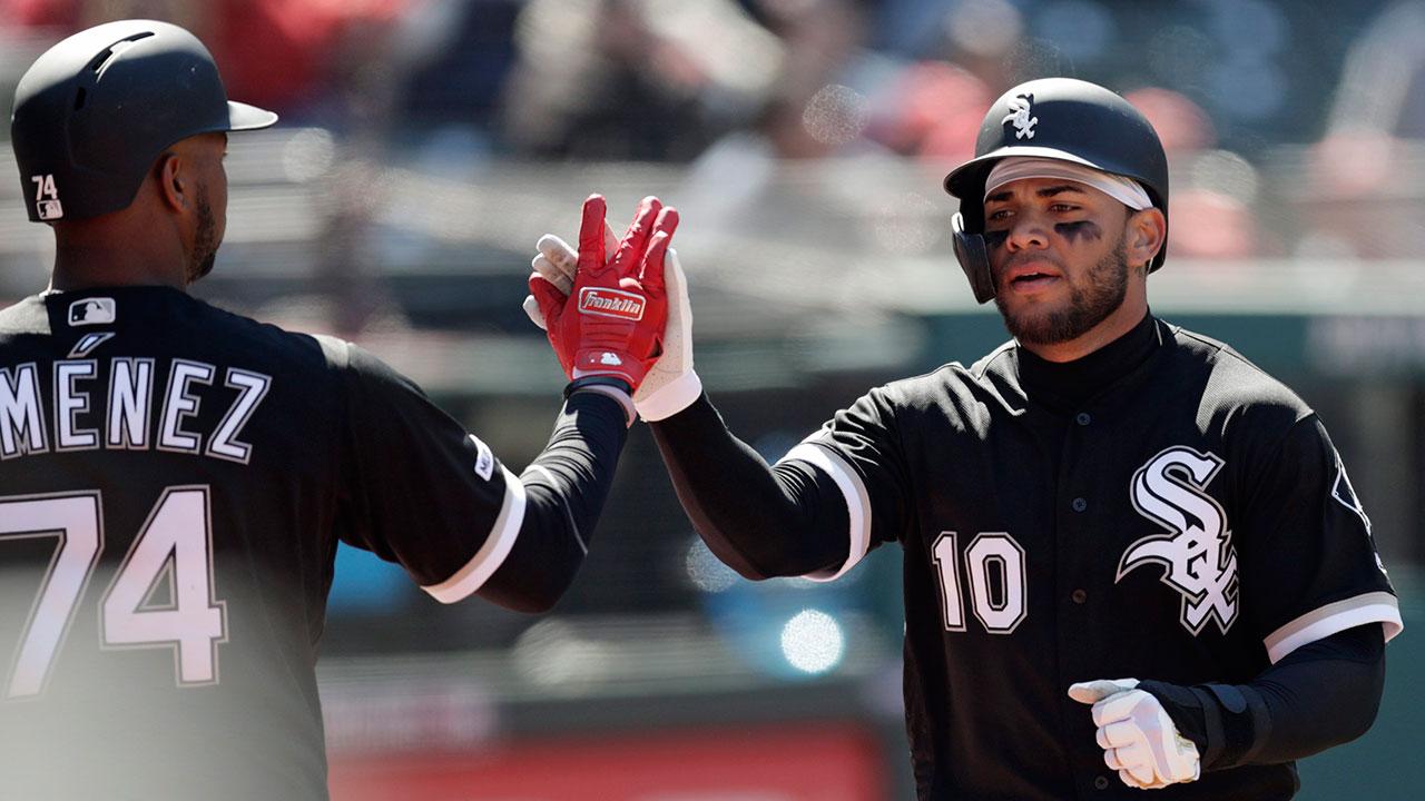 MLB-White-Sox-celebrate-home-run-against-Yankees