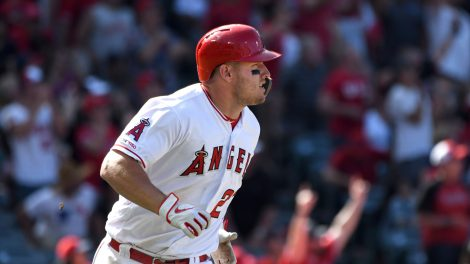 Mike-Trout-Los-Angeles-Angels