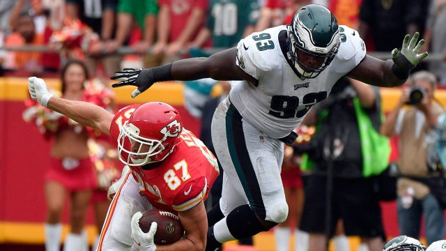 NFL-Eagles-Jernigan-makes-a-tackle-against-the-Chiefs