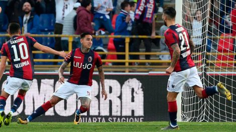 Soccer-Serie-A-Bologna-Pulgar-celebrates-goal