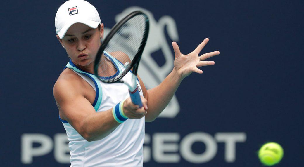 Tennis-WTA-Barty-hits-return-shot