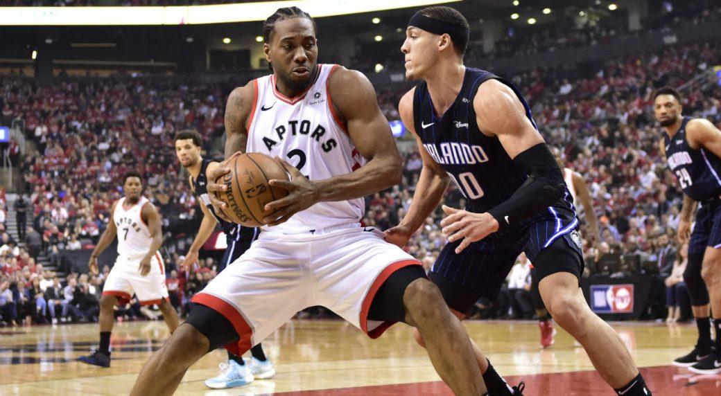 Kawhi Leonard shows off beast-like performance in Raptors' Game 2
