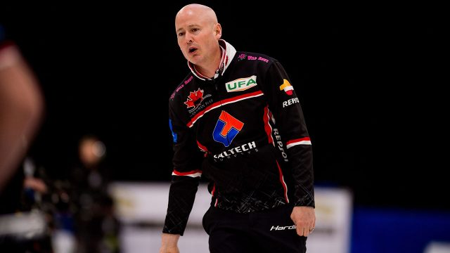 Curling-Koe-watches-shot-at-Champions-Cup