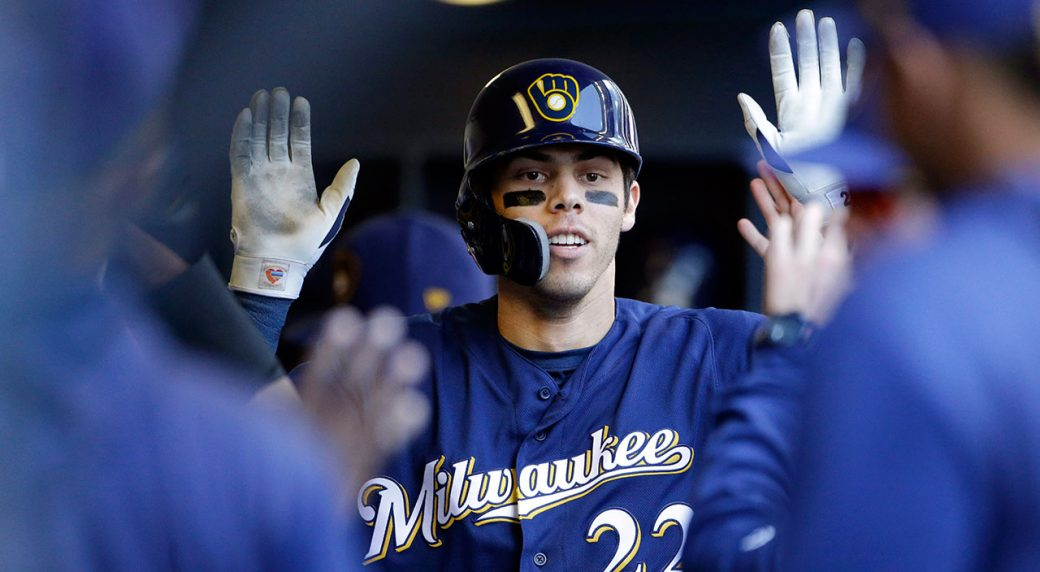 MLB-Brewers-Yelich-celebrates-home-run-against-Mets