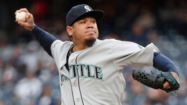 MLB-Mariners-Hernandez-throws-against-Yankees