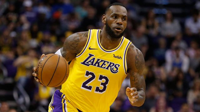 NBA-Lakers-LeBron-James-dribbles-in-game