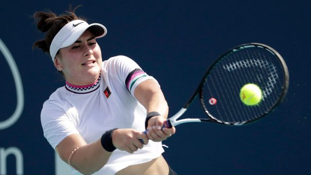 Tennis-Andreescu-returns-shot