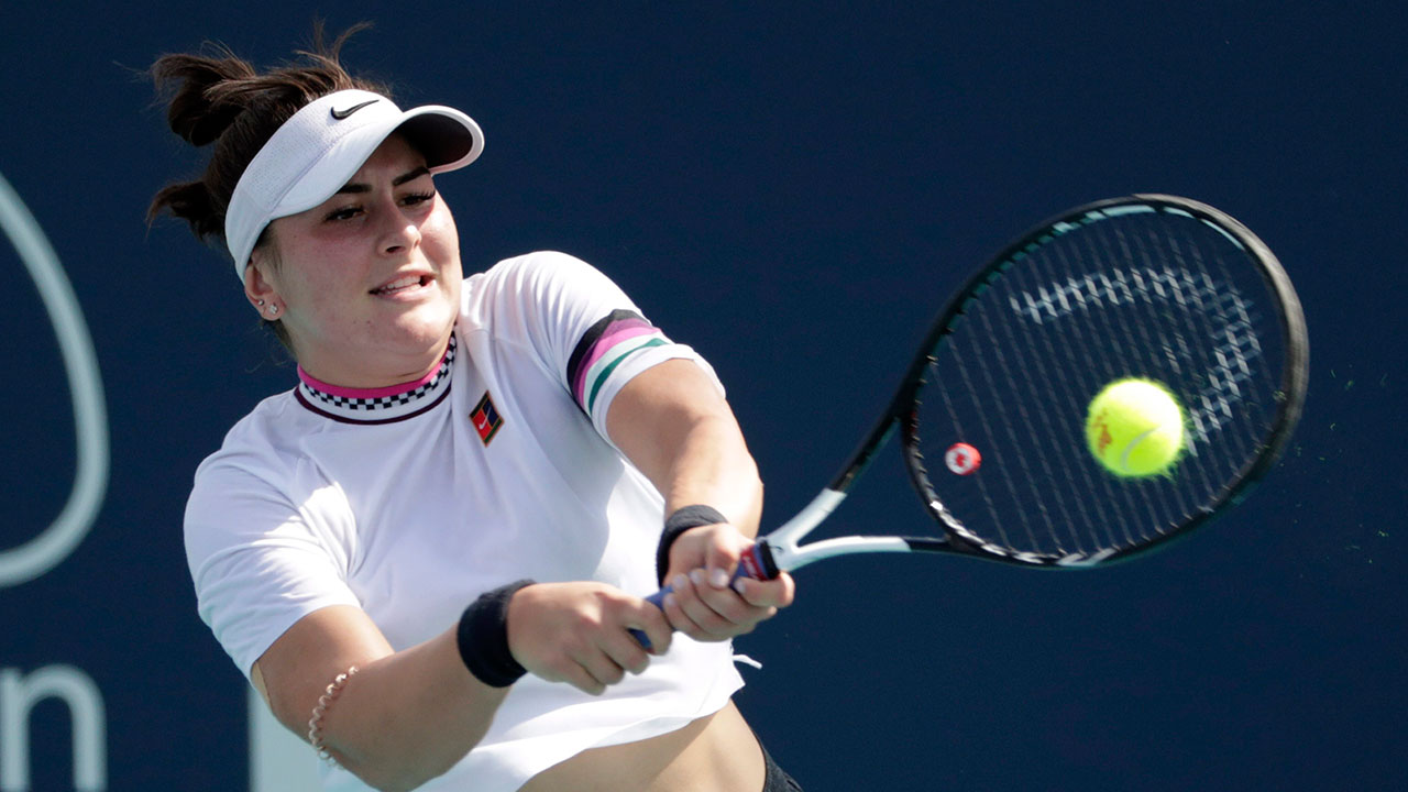 Tennis-Andreescu-returns-shot
