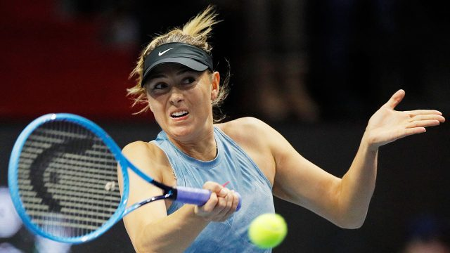 WTA-tennis-Sharapova-hits-return-shot