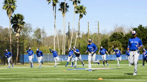 blue-jays-warm-up-during-spring-training