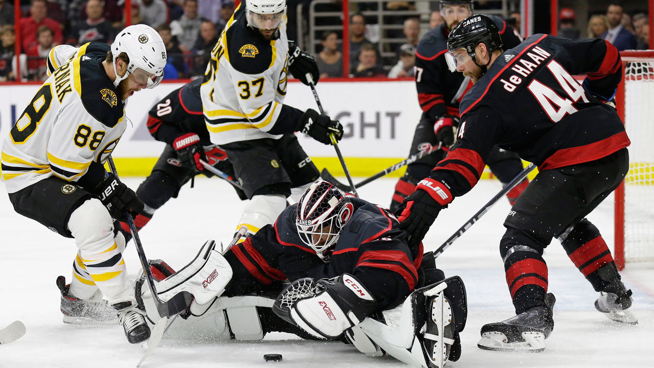 Boston Bruins vs  Carolina Hurricanes