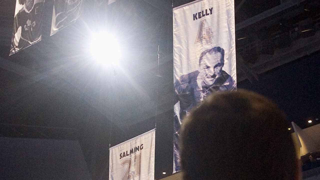 Borje-Salming-looks-on-as-a-banner-honouring-Maple-Leafs-great-Red-Kelly-is-raised-in-Toronto-on-Wednesday-Oct.-4,-2006