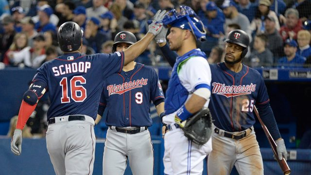 twins-celebrate-home-run-against-blue-jays