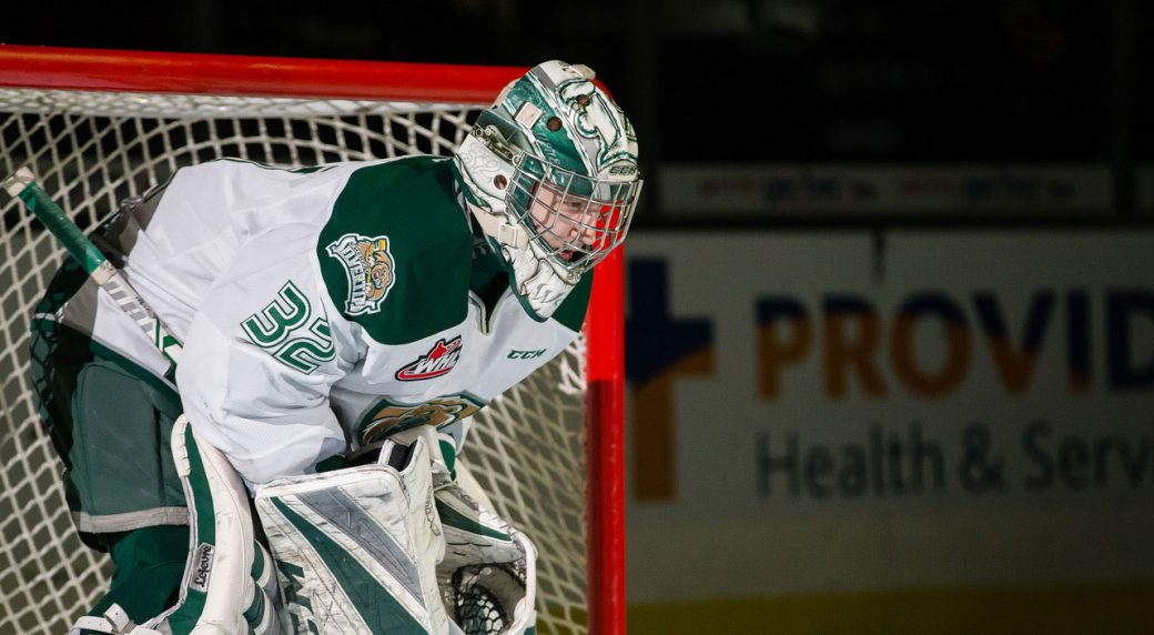 Everett S Wolf Out To Prove Size Not Everything For Goalies In Nhl
