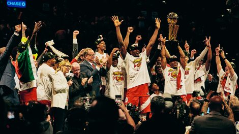 Toronto-raptors-celebrate-on-stage-following-the-presentation-of-the-larry-obrien-trophy