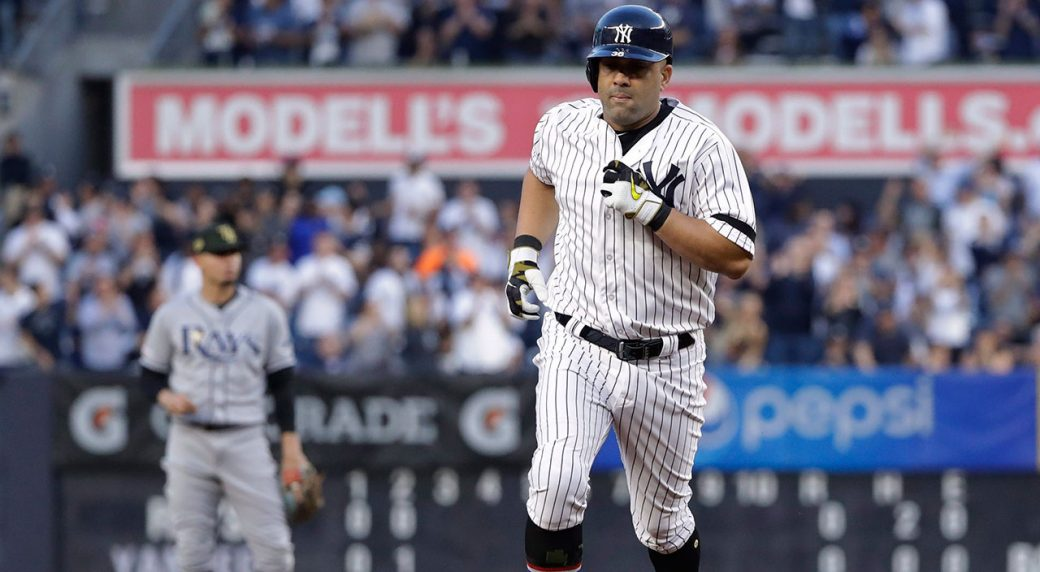 MLB-Yankees-Morales-rounds-bases-after-home-run